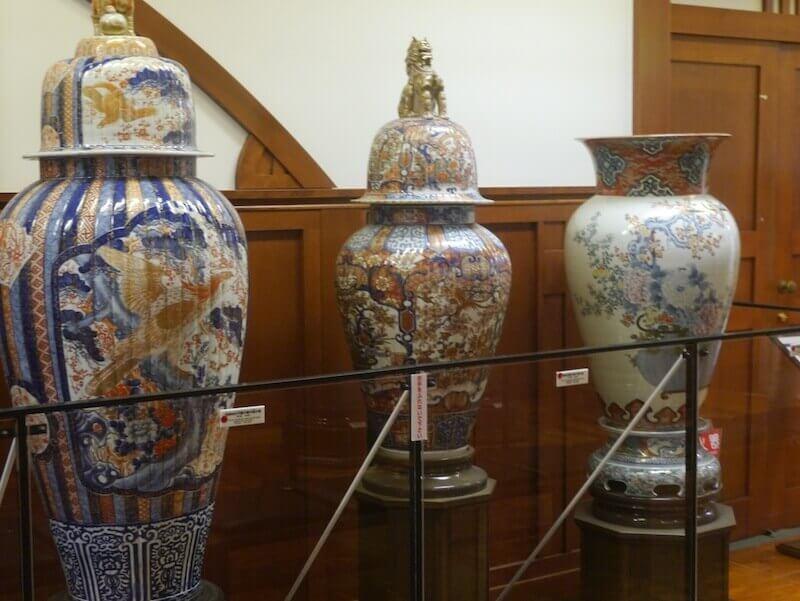 古伊万里の壺の画像