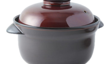 陶器製の土鍋の画像