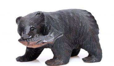 民芸品の熊の画像