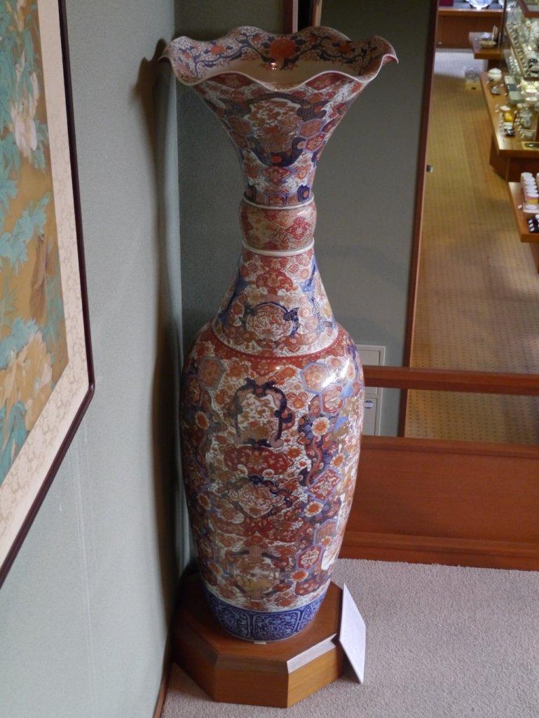 色絵花鳥文の特大花瓶