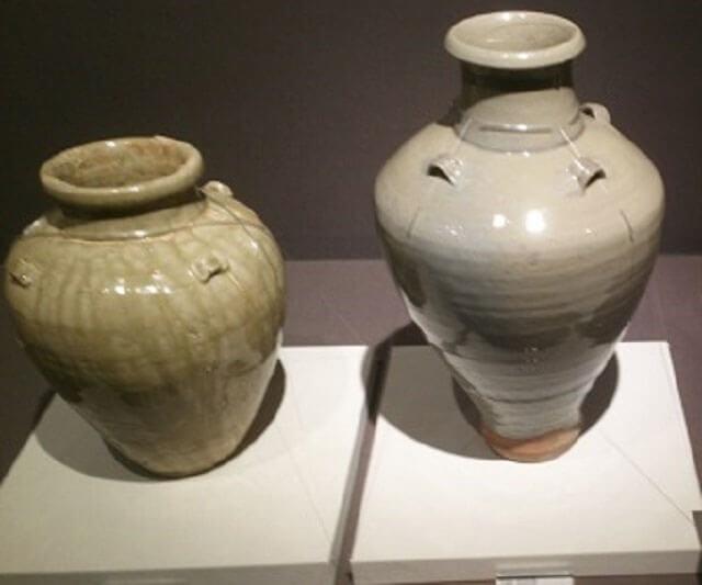 瀬戸焼の壺の画像