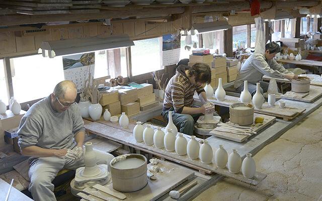 柿右衛門窯の磁器の造詣方法