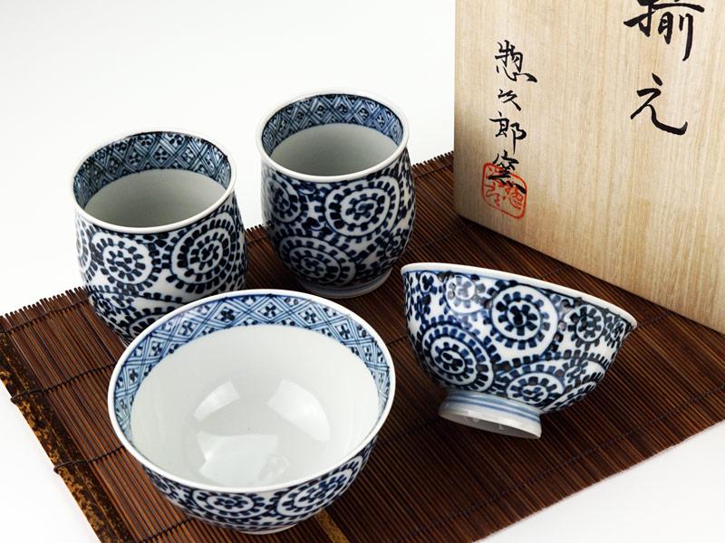 【有田焼】睦揃(夫婦茶碗セット)染付蛸唐草格子紋図